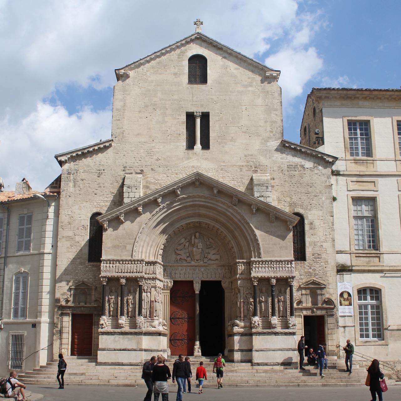 Ancienne Cathédrale Saint-Trophime, Außenansicht