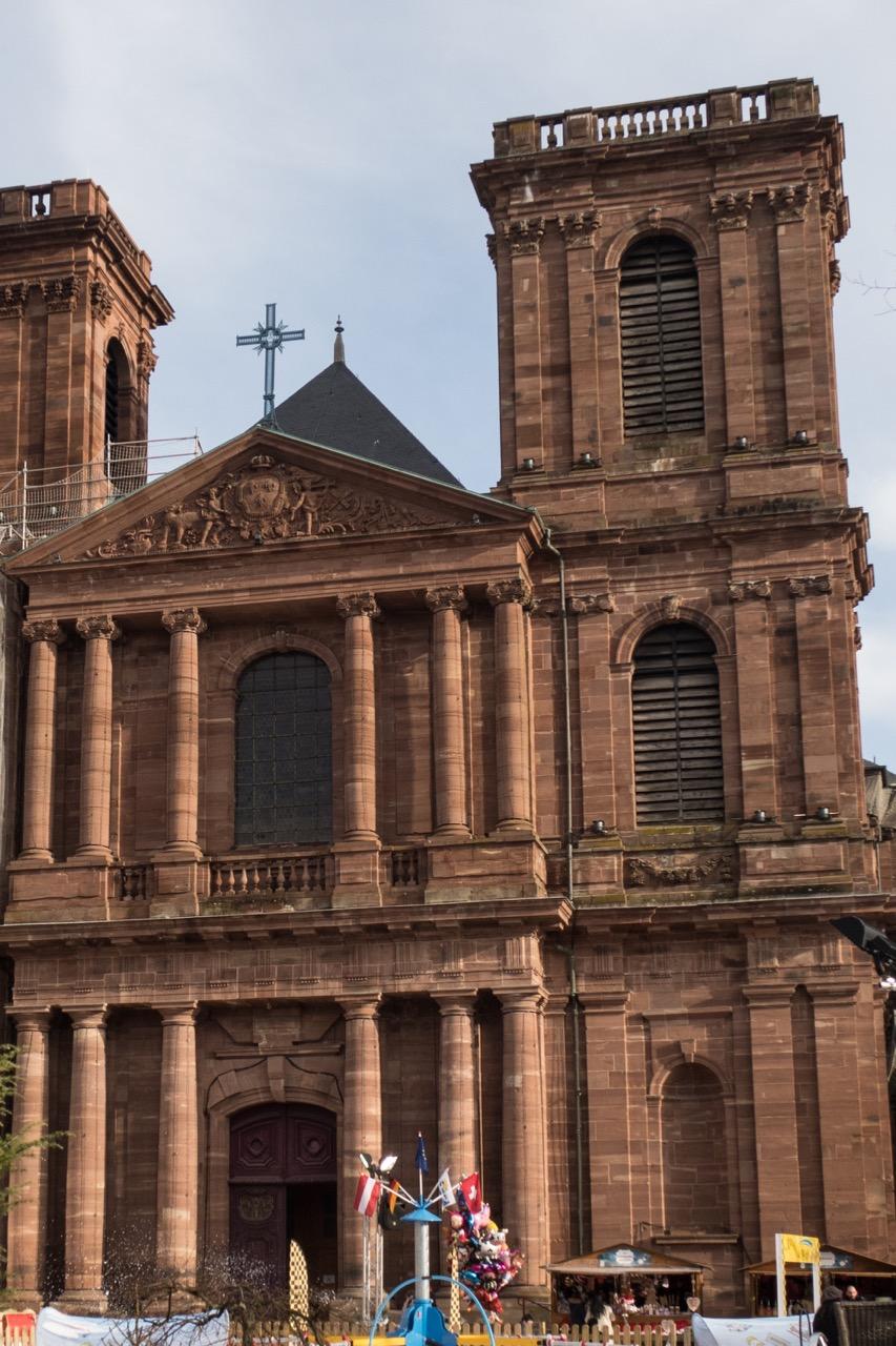 Klassische Säulenordnungen an der Westfassade