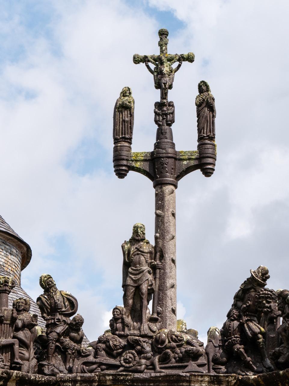 Calvaire, Westseite, Kreuzigungsgruppe