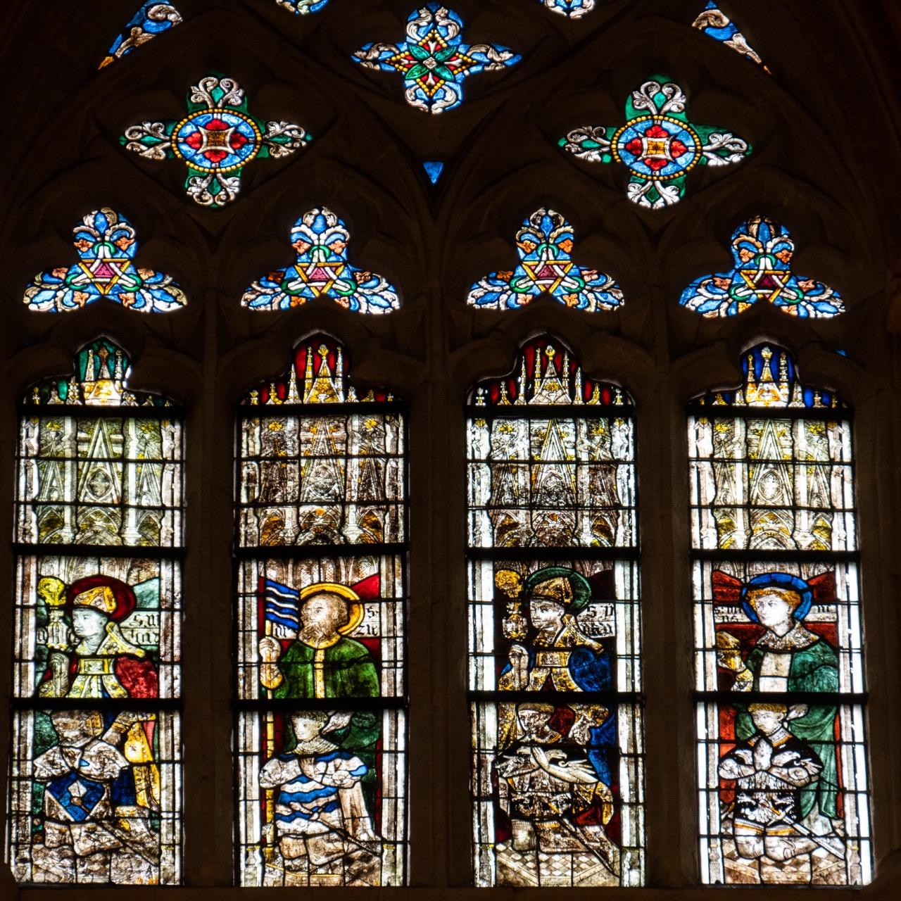 Obergadenfenster im Chor mit Personen aus der Familie Tréanna (Jean Soyer, 1417/19)
