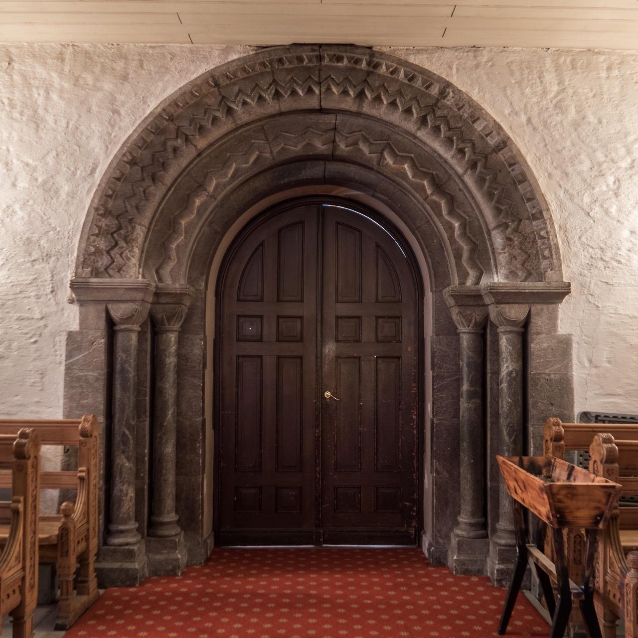 Portal Westseite