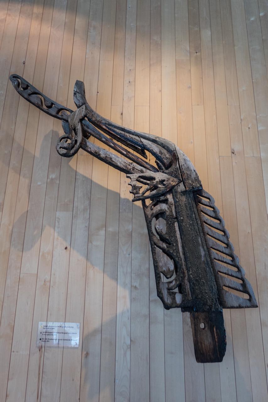 Drachenkopf im Museum von Borgund