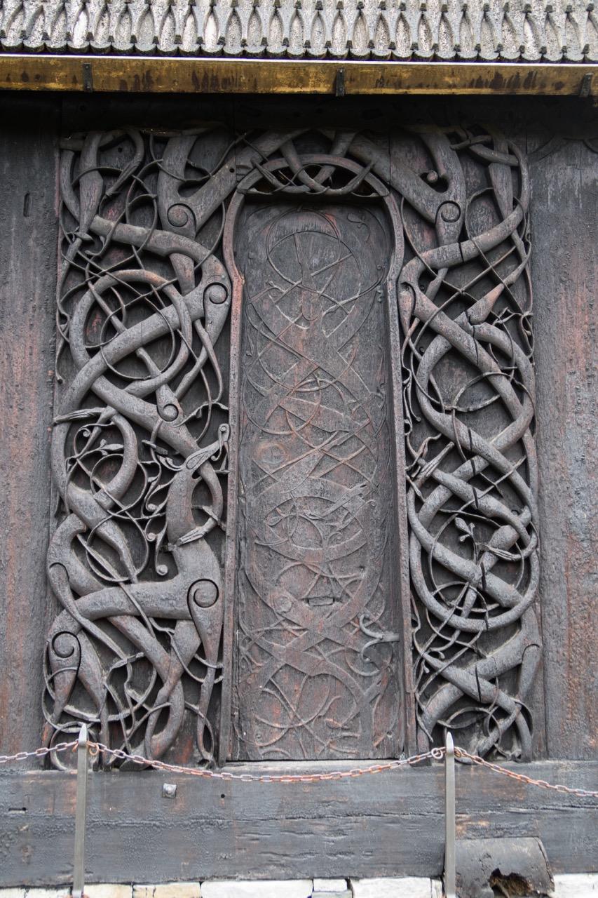 Portal der Vorgängerkirche an der Nordwand
