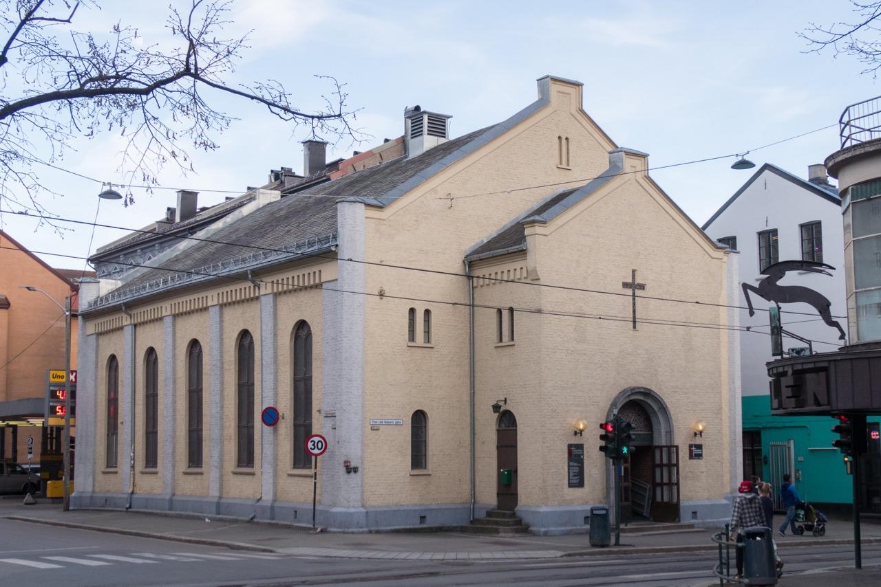 Methodistische Kirche Grünerløkka, Außenansicht von Nordwesten