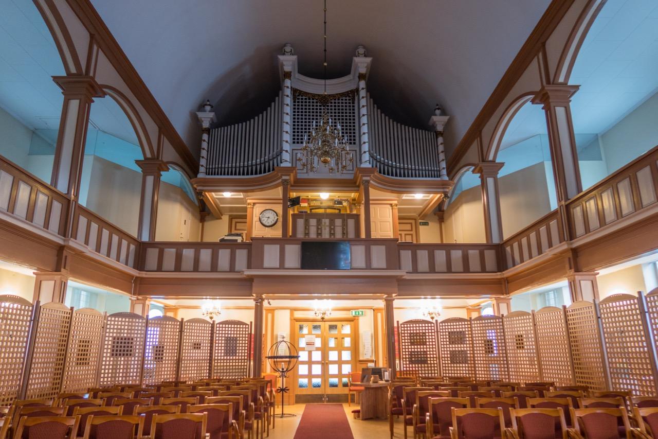 Rückansicht zur Orgelempore