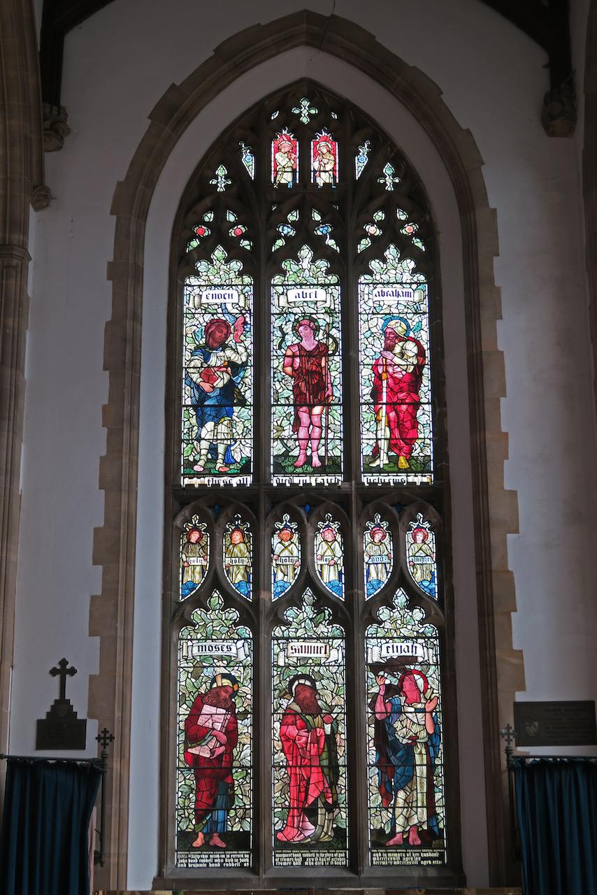 Lukaskapelle, Buntglasfenster mit alttestamentlichen Figuren (Edward Burne-Jones, nach 1874)