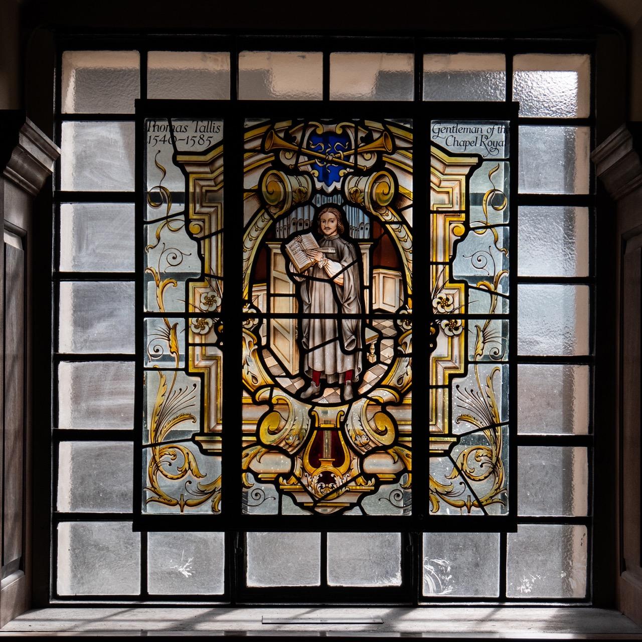 Buntglasfenster zur Erinnerung an Thomas Tallis († 1585)