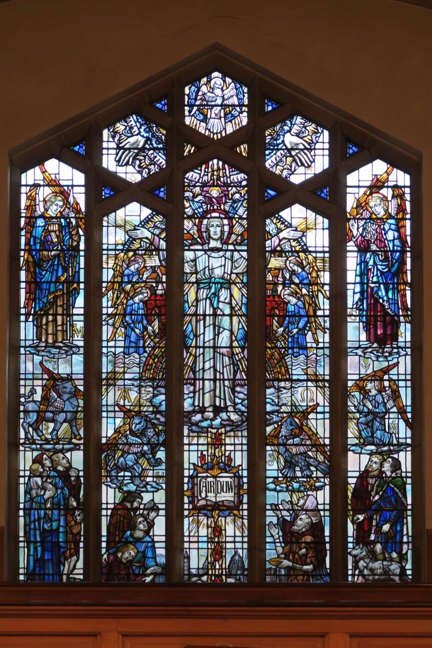 Glasfenster in der Westfassade (Carl Edwards)