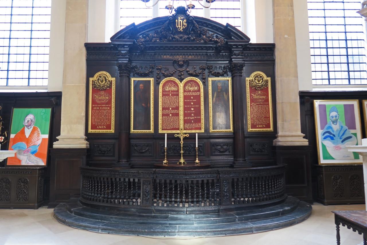 Altarraum an der Ostwand